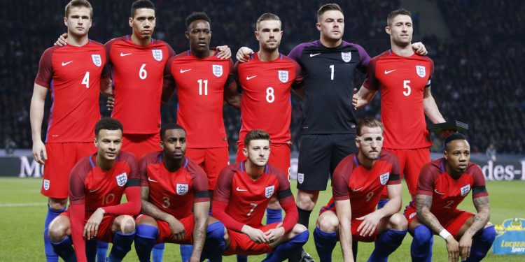 Football Soccer - Germany v England - International Friendly - Olympiastadion, Berlin, Germany - 26/3/16 England players pose for a team photo before the game Action Images via Reuters / Carl Recine Livepic EDITORIAL USE ONLY. - RTSCCMI