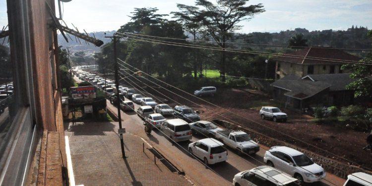 Cars stuck in jam along Naalya road. PHOTO BY NORMAN MWAMBAZI/Matooke Republic.
